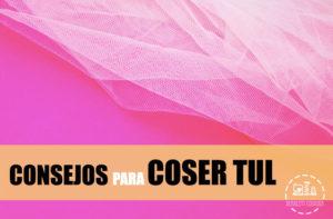 foto de tul en fondo rosa con letras consejos para coser tul